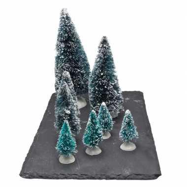 Kerstdorp onderdelen kleine miniatuur set van 8x boompjes