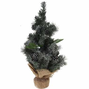 Versierde kleine kunst kerstboom met jute voet 50 cm